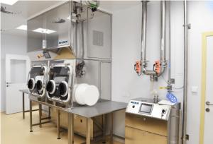 Isolator technology for work with hazardous materials aseptically; Slovak Academy of Sciences; Slovakia-min
